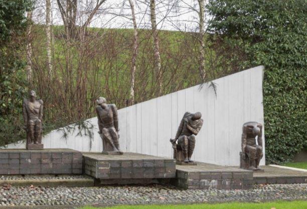 gladstone park war memorial